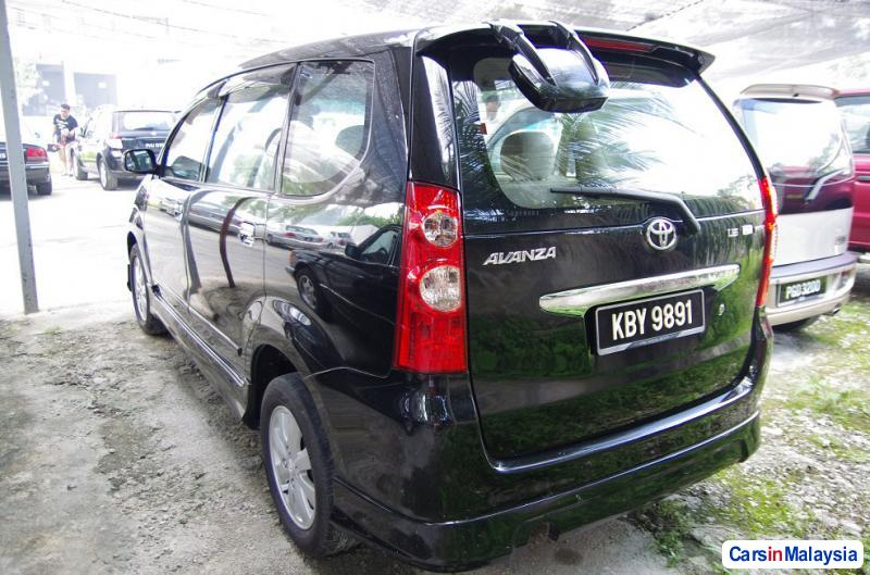 Picture of Toyota Avanza Automatic 2006