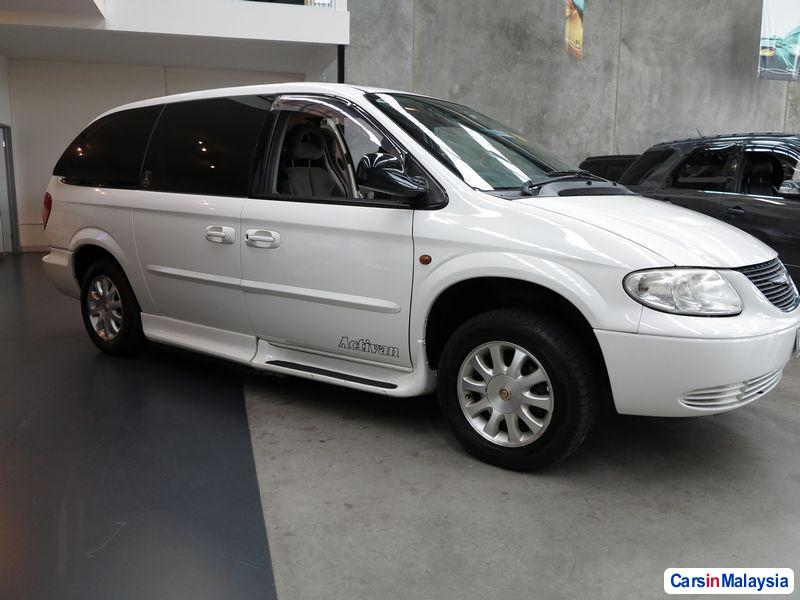 Picture of Chrysler Voyager Automatic 2003