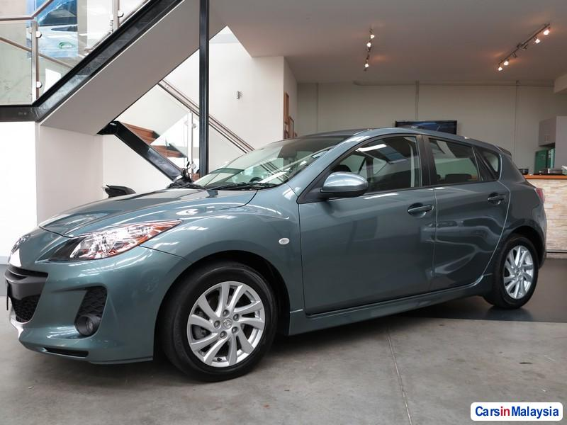 Pictures of Mazda 3 Automatic 2011
