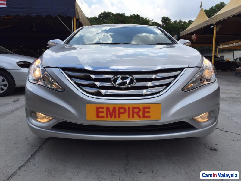 Picture of Hyundai Sonata Automatic 2012