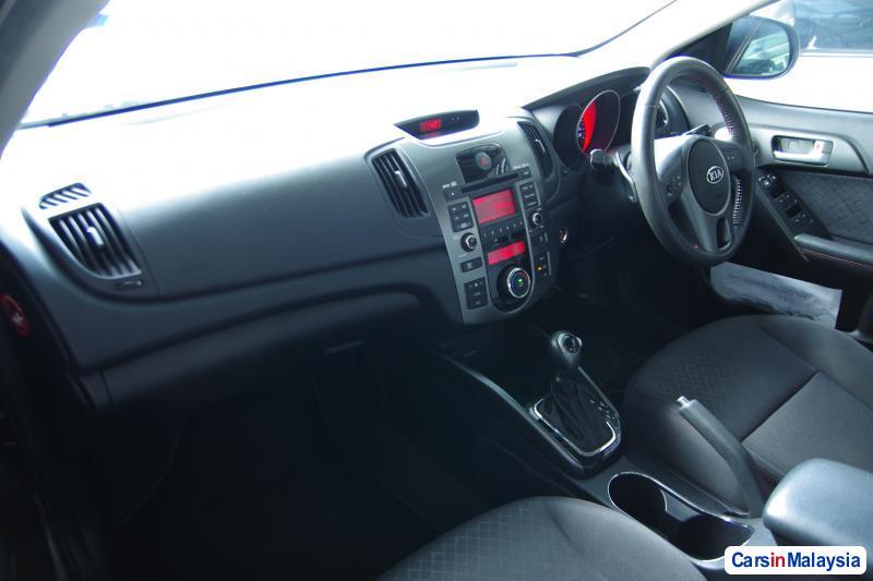 Kia Forte Automatic 2011