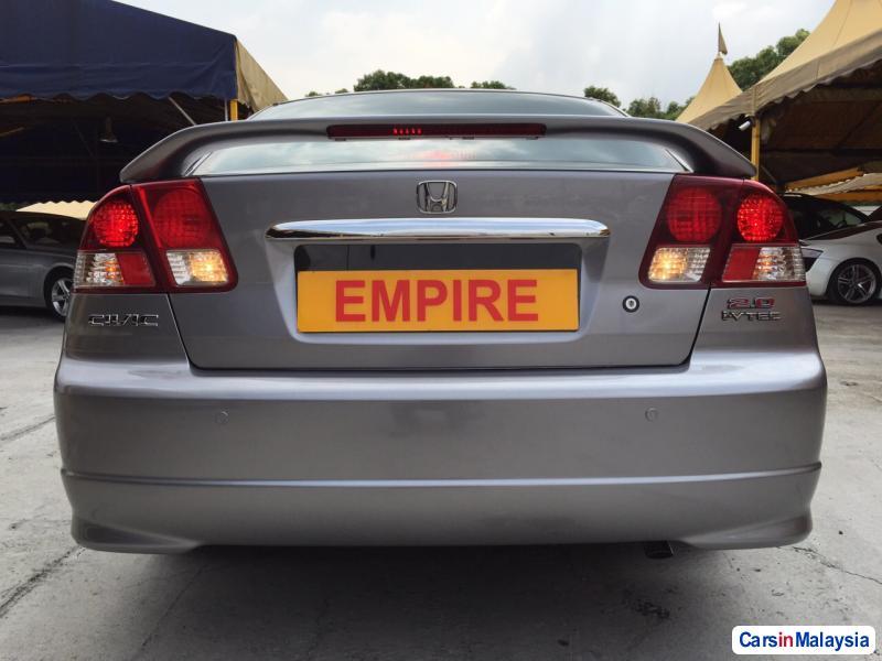 Honda Civic Automatic 2005 - image 2