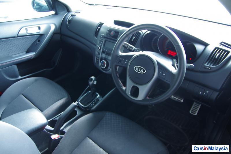 Kia Forte Automatic 2011 - image 4