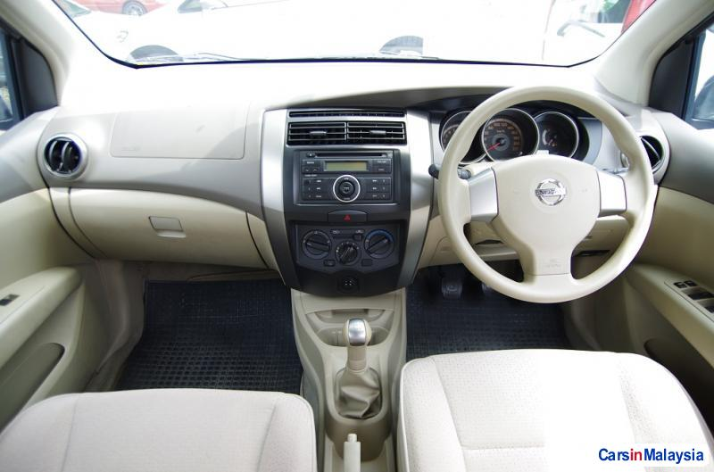 Nissan Grand Livina Manual 2010 in Malaysia