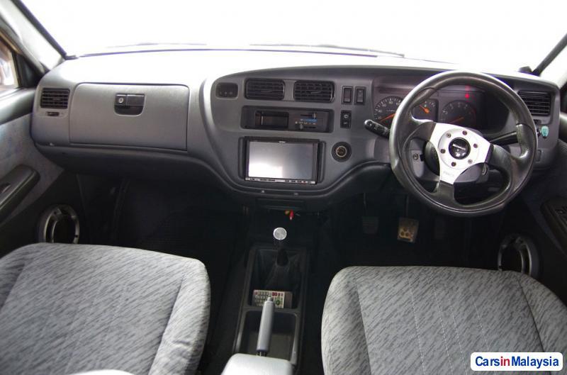 Toyota Unser Manual 2001 in Malaysia