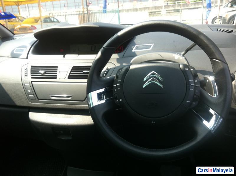 Citroen Grand C4 Picasso Automatic 2012 - image 6