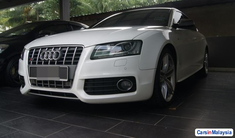 Picture of Audi S5 Automatic 2010