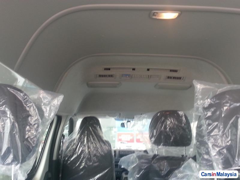 Toyota Hiace Manual - image 11