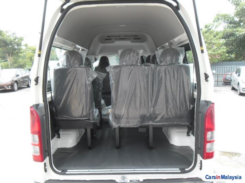 Toyota Hiace Manual - image 3