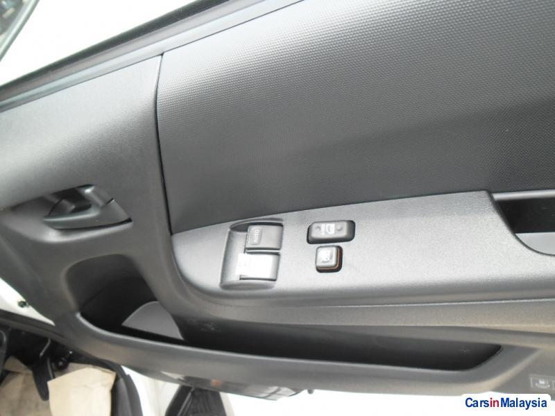 Toyota Hiace Manual - image 7