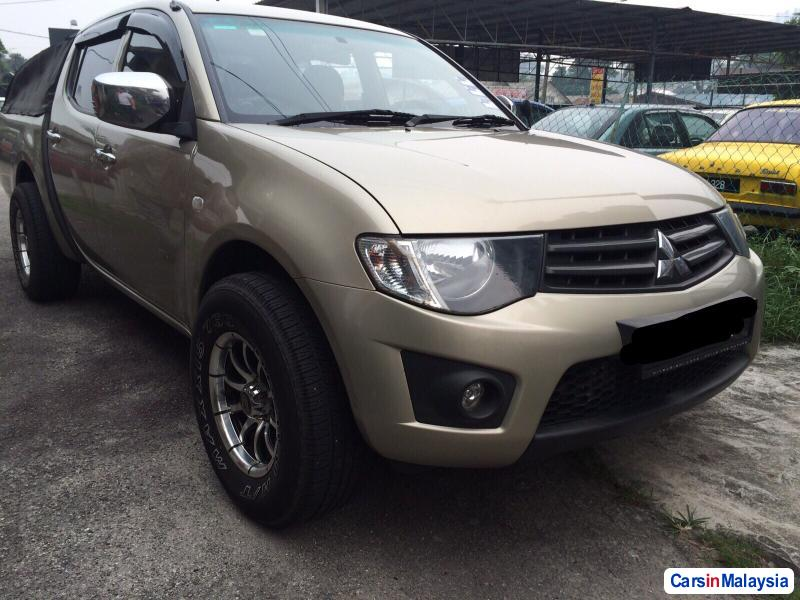 Picture of Mitsubishi Triton