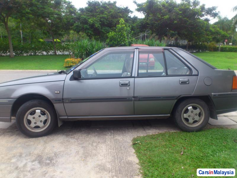Pictures of Proton Iswara Automatic 1999