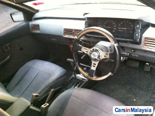 Proton Saga Automatic 1990 - image 2