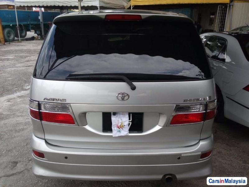 Pictures of Toyota Estima Automatic 2008
