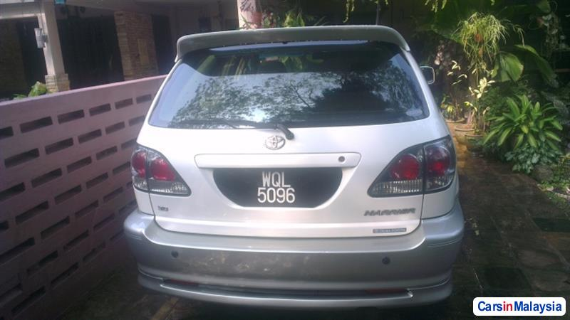 Toyota Harrier Automatic 2002 - image 2