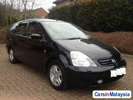 Pictures of Honda Stream Automatic 2008
