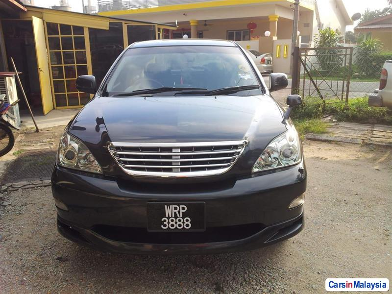 Pictures of Toyota Harrier Automatic 2008