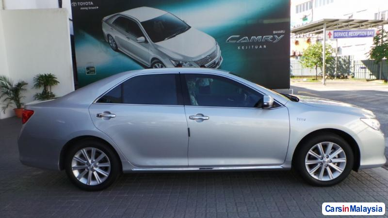 Pictures of Toyota Camry Semi-Automatic