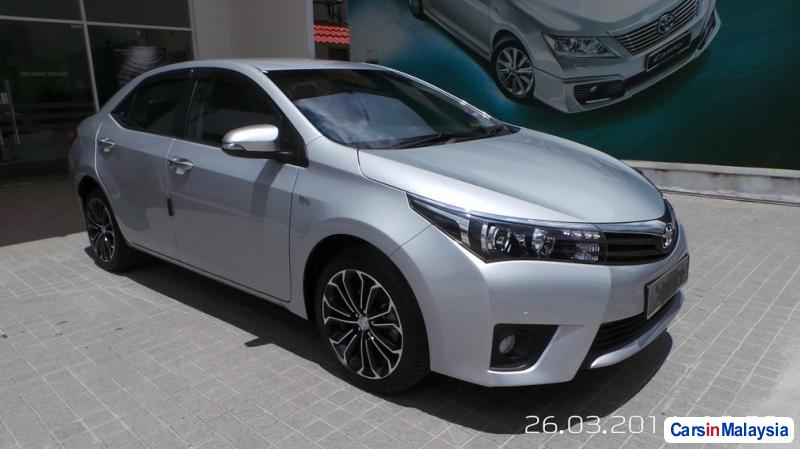 Pictures of Toyota Altis Semi-Automatic 2014