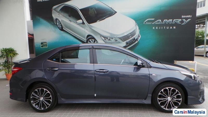 Toyota Altis Semi-Automatic