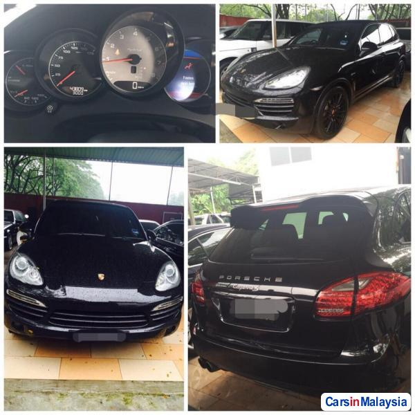 Picture of Porsche Cayenne Automatic 2012