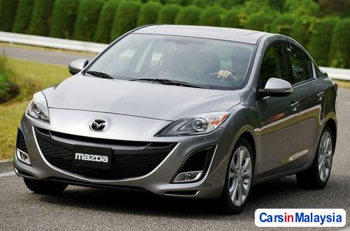 Pictures of Mazda 3 Semi-Automatic