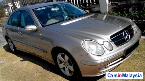 Picture of Mercedes Benz E220 Automatic 2003