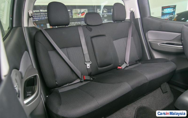 Mitsubishi Triton Automatic - image 11