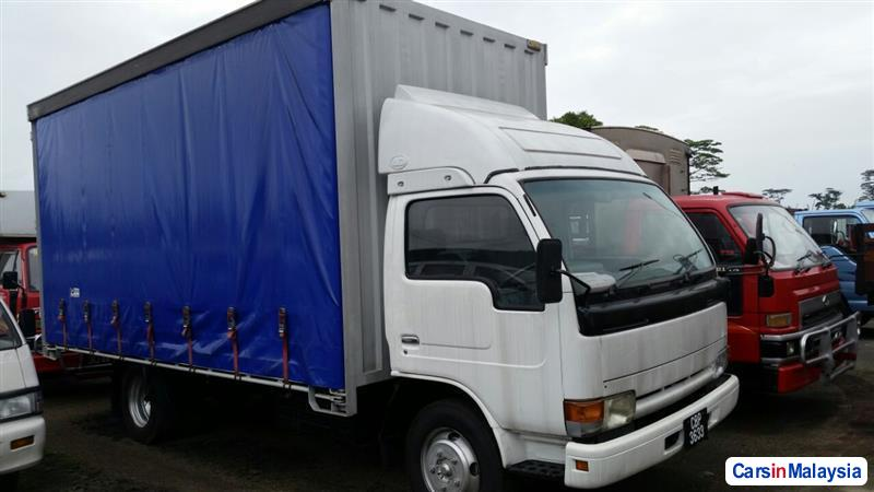 Picture of Nissan YU41H5 2004
