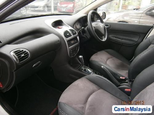 Peugeot 207 Semi-Automatic - image 6