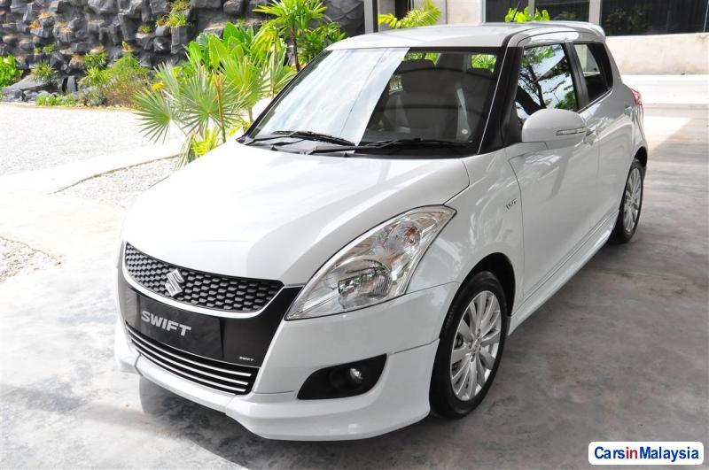 Suzuki Swift Automatic - image 11