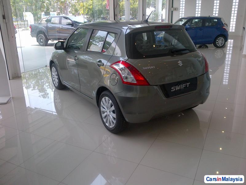 Suzuki Swift Automatic - image 6