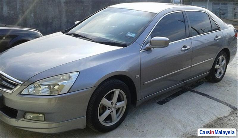 Picture of Honda Accord 2004