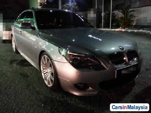 Pictures of BMW 5 Series Semi-Automatic 2010