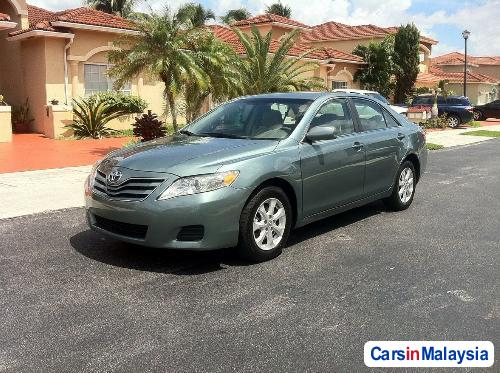 Toyota Camry Automatic 2010 - image 2