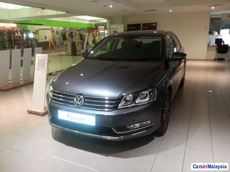 Pictures of Volkswagen Passat Automatic 2014