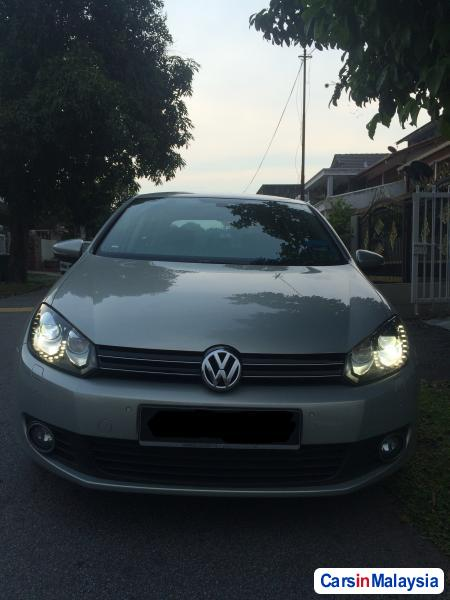 Pictures of Volkswagen Golf Semi-Automatic 2012
