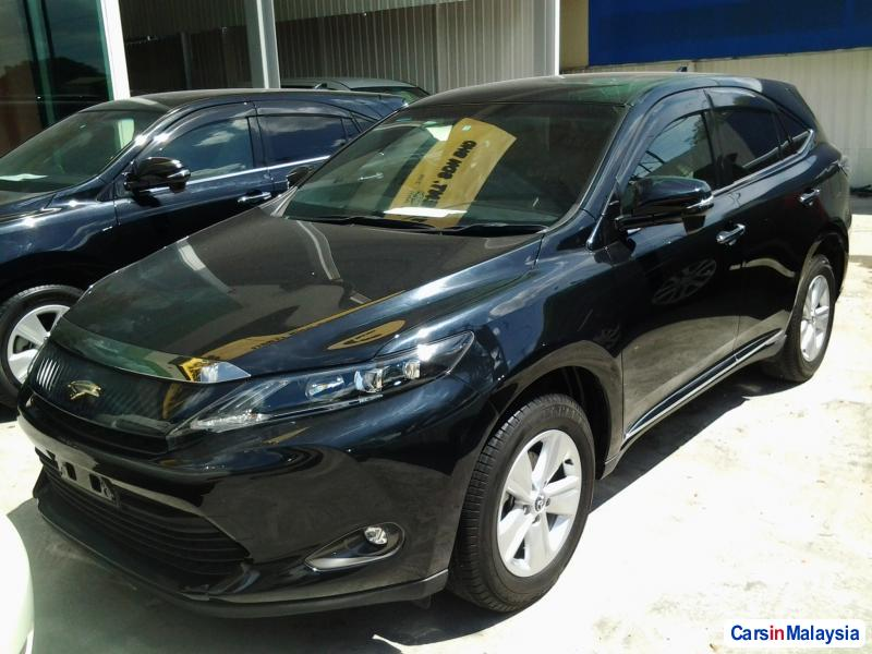 Picture of Toyota Harrier Semi-Automatic