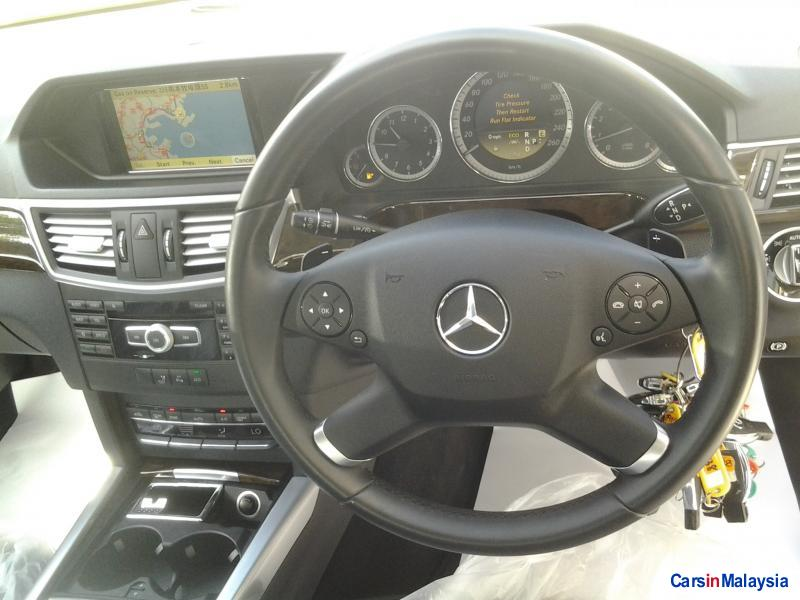 Mercedes Benz E250 Semi-Automatic in Kuala Lumpur