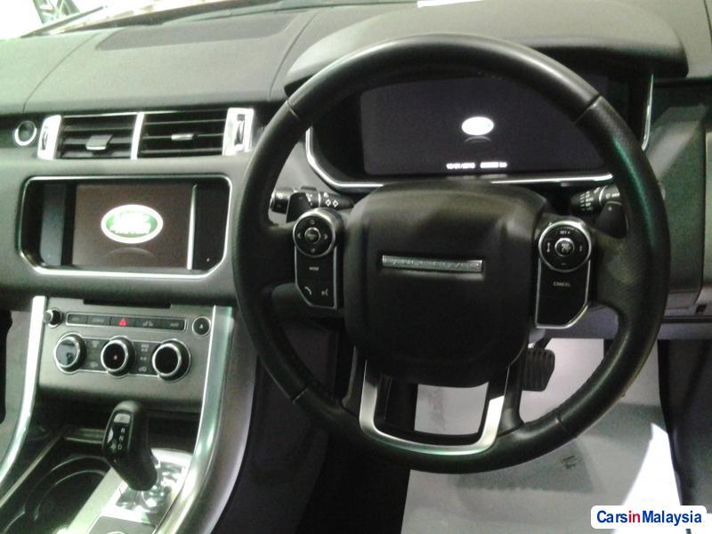 Land Rover Range Rover Sport Semi-Automatic - image 9