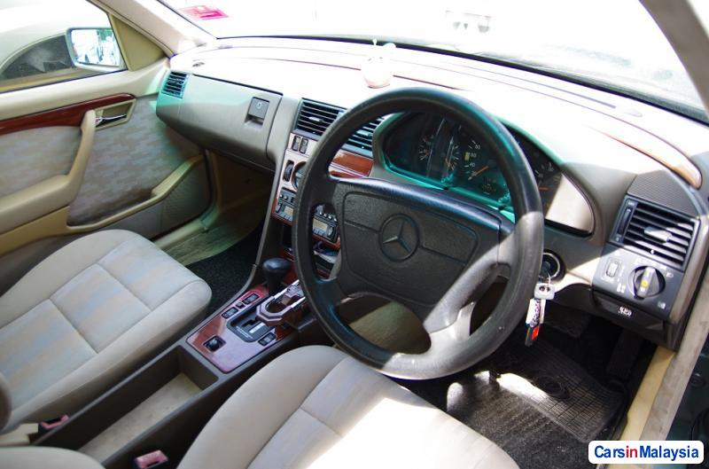 Picture of Mercedes Benz C-Class Automatic 1994