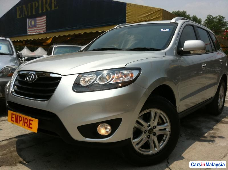 Picture of Hyundai Santa Fe Automatic 2011