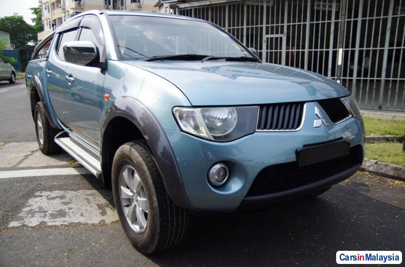 Mitsubishi Triton Automatic 2008