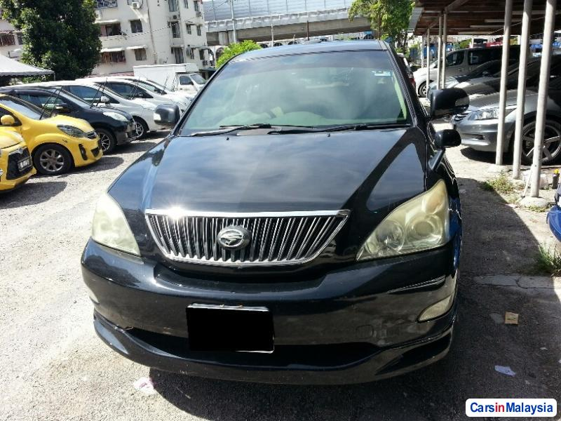 Pictures of Toyota Harrier Automatic 2005