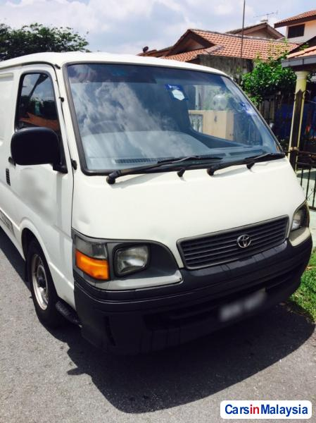 Picture of Toyota Hiace Manual 2002