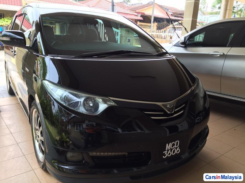 Pictures of Toyota Estima