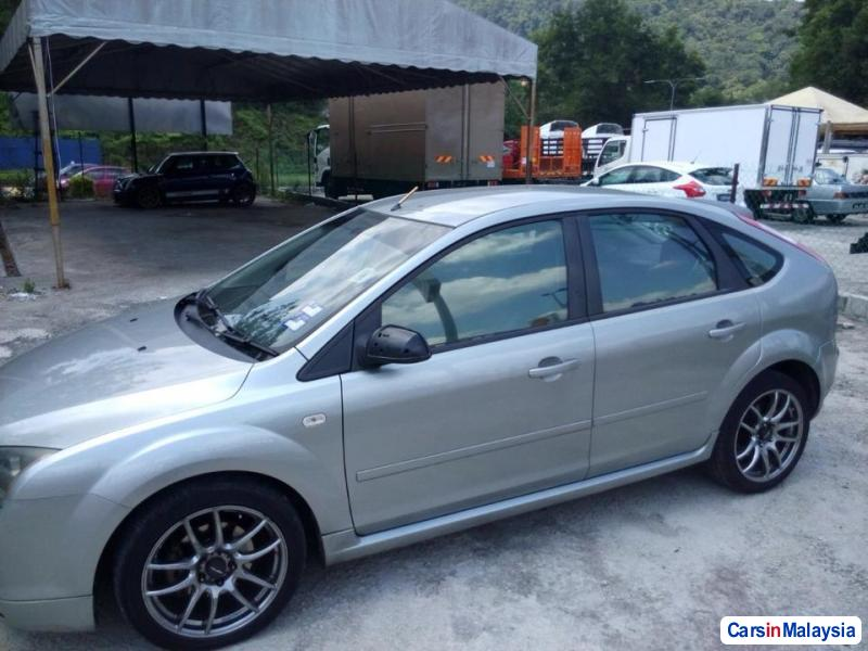 Pictures of Ford Focus Automatic 2005