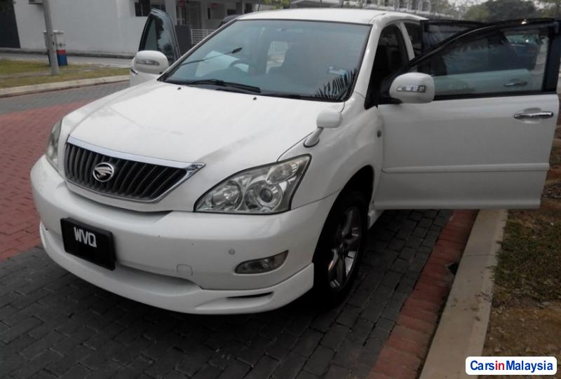 Pictures of Toyota Harrier 2007