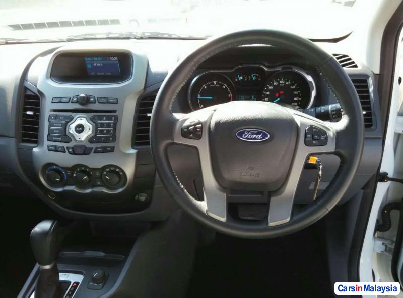 Ford Ranger Automatic 2013 - image 10