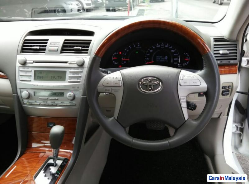 Toyota Camry Automatic 2011 - image 10